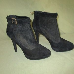 "JESSICA SIMPSON Zipper Back Heels 4 1/2"" Size"